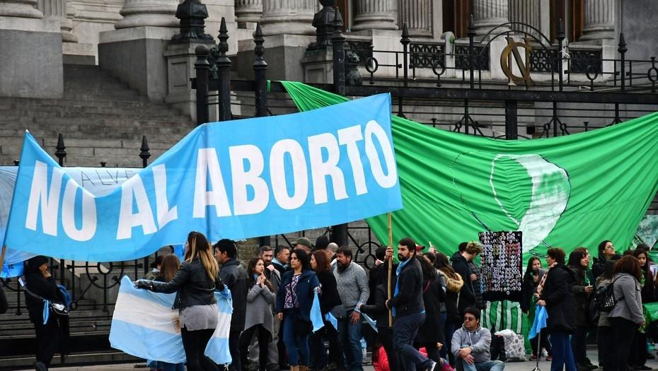 Aborto: con una tendencia casi irreversible por el rechazo, el Senado debate el proyecto