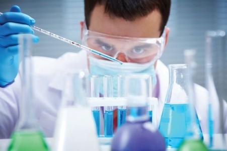 Un viejo antibiótico puede matar selectivamente las células peligrosas del cáncer de piel